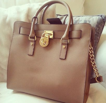 super website for Michael Kors Outlet #Michael #Kors #Outlet bags only $39.9 to get it