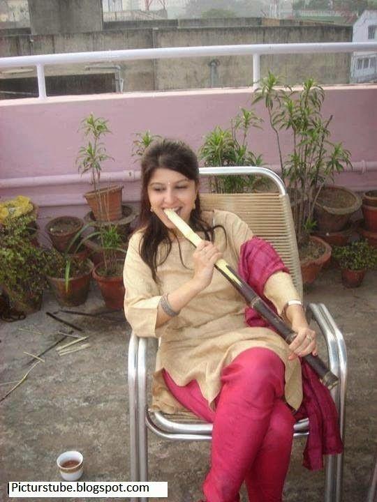 pakistani girls love in internet