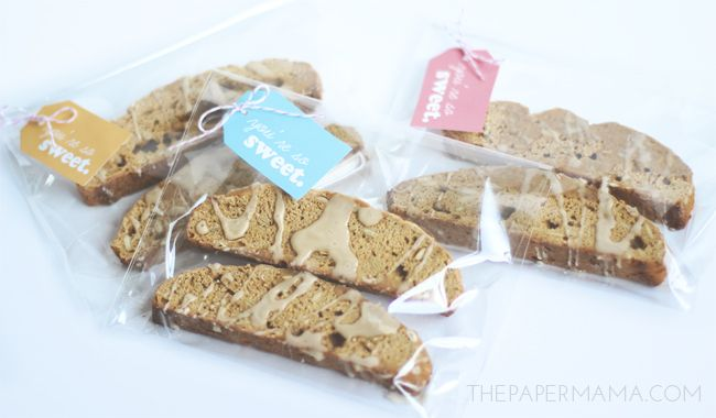 Pumpkin Biscotti with Coffee Glaze Recipe (and free gift tag printable)