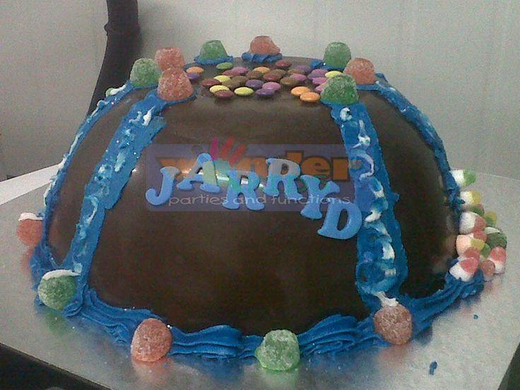 Custom Sweets Cake  http://www.wonder-parties.co.za/