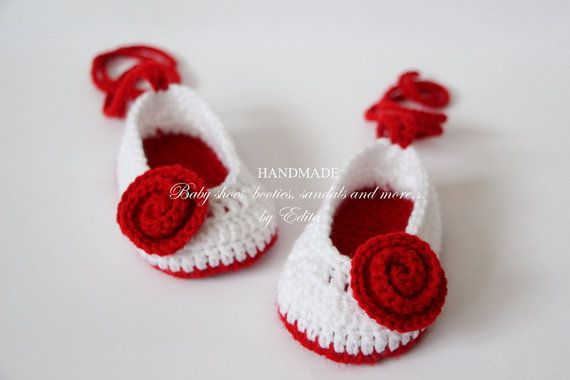 Crochet baby shoes, baby girl shoes, booties, Mary Janes, slippers, ballerina,red, white, roses, READY TO SHIP,0-3 months, baby shower gift