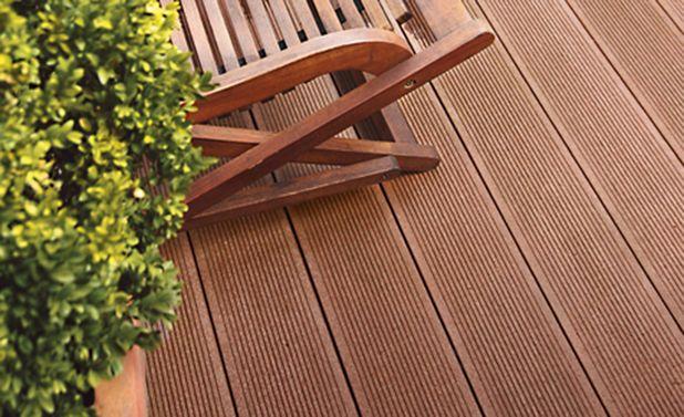 Beautiful outdoor floor wearable
