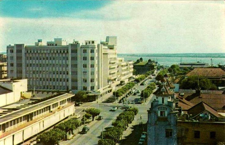 1960 - A baixa de Lourenço Marques, no cruzamento das Avenidas Dom Luiz e da…