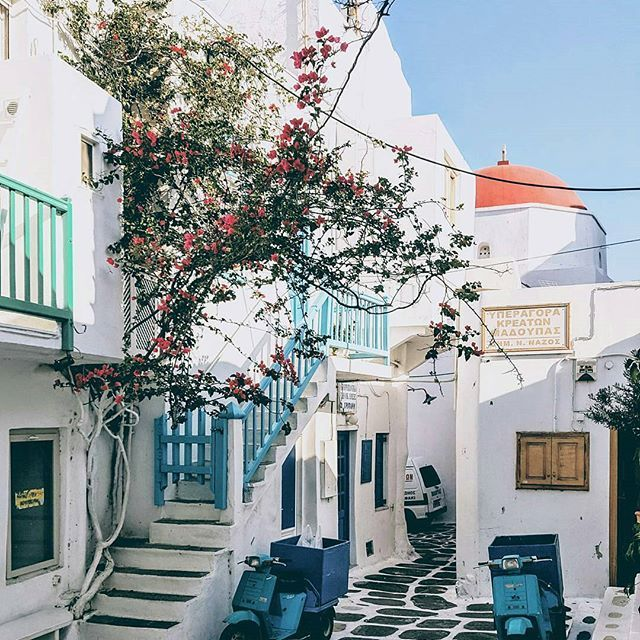 Mykonos Town, Cyclades...  Photo @vsiras!  Early morning walk at Chora of Mykonos, when everybody is sleeping!  #mykonos #mykonostown #mykonosisland #myconos #mykonos2017 #cyclades