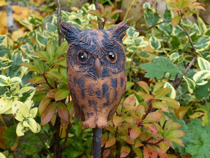Keramik - Gartenkeramik kleiner UHU NovemberLaub - ein Designerstück von Brigitte_Peglow bei DaWanda