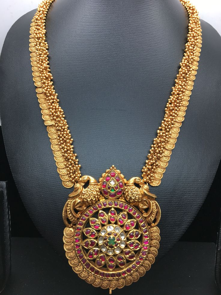 Traditional long necklace.
