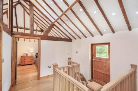 Just off the River Len is this fantastic 3 bedroom barn conversion. The property features many characteristics including a wood burner and bi-fold patio doors, exposed timbers and underfloor heating. £585,000 - call 01622 739574 to view!
