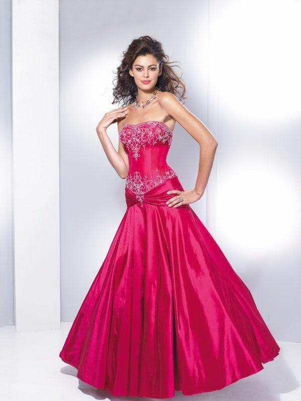 102 best Red weddingdresses images on Pinterest | Red prom dresses ...