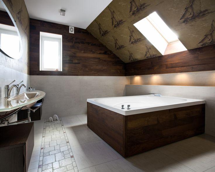 """Designer Alexis 60"""" x 48"""" Air Tub"""
