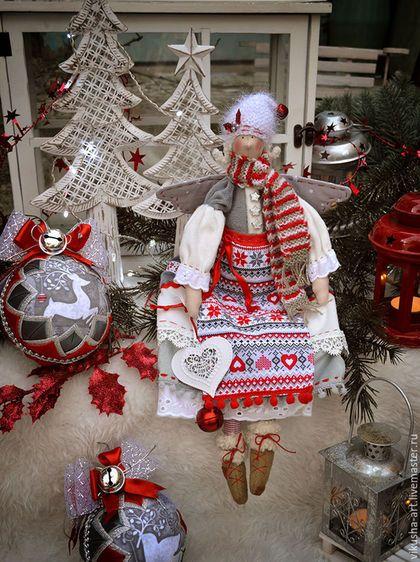 Купить или заказать Скандинавское Рождество..... в интернет-магазине на Ярмарке Мастеров. Фея Скандинавское Рождество выполнена из мягкого плюша,шапочка и шарфик связаны в ручную,приедет к Вам в дом и наполнит его новогодним настроением!Сидит без опоры,сзади есть петелька подвес! ------------------------------- Цена без учета доставки!!!!Доставка 250 руб. ----------------------------------------------------- Узнавайте о новых работах с помощью кнопки 'добавить в круг'.