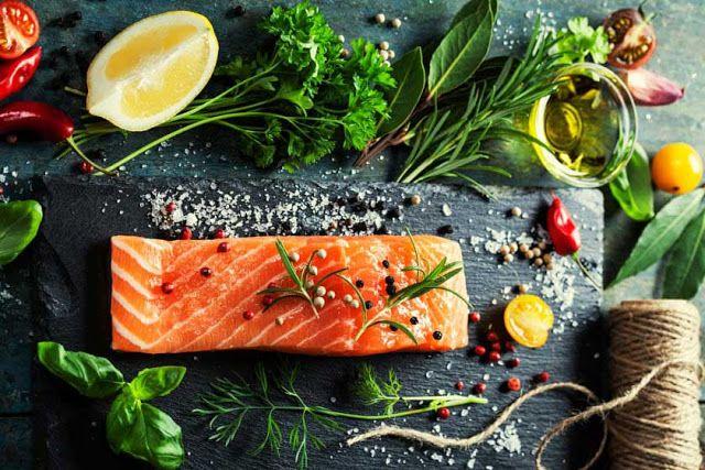 Piccolo Mondo : Filetto di salmone alle erbe aromatiche