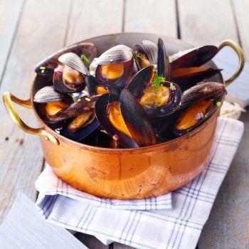Chef Eric Ripert's Recipe: Mussels with Tomato and Saffron