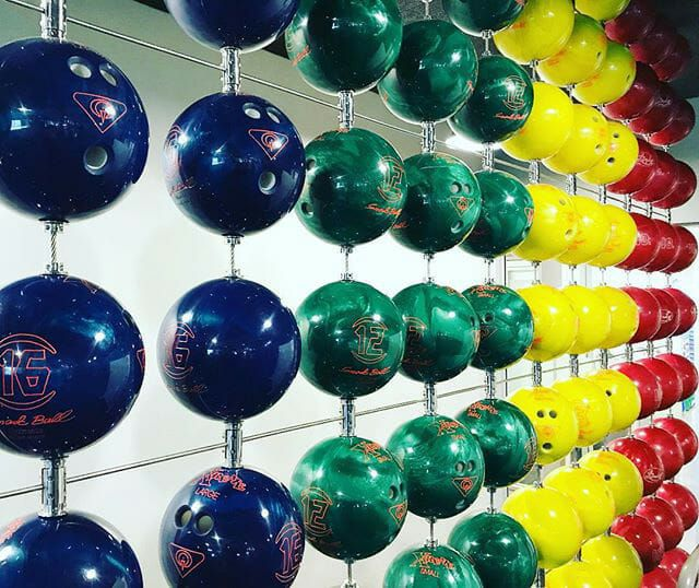 Search in Pics: Google bison bowling balls & game controller tables http://ift.tt/2DCiJKL