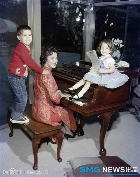 Shirley Temple, & her children