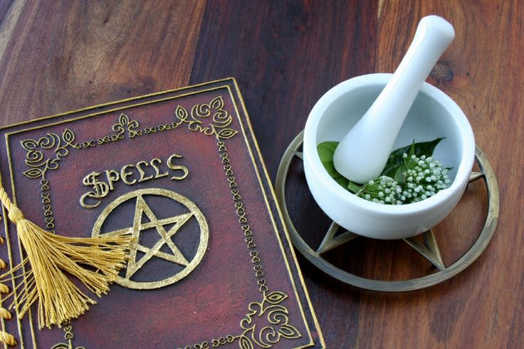 Wiccan & Pagan Love Spells - How to Cast Spells for Love
