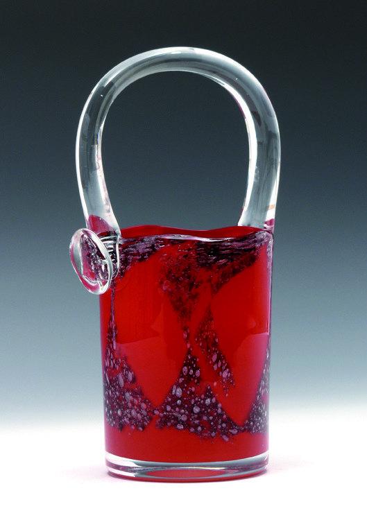 Benny Motzfeldt. Vase. Utført ved PLUS glasshytte. 1970-tallet. (Foto: Blomqvist Nettauksjon)