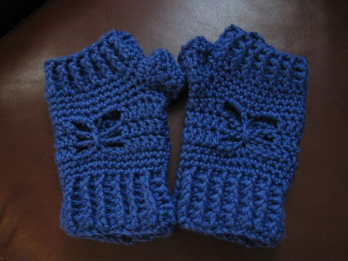 Crochet Fingerless Gloves Tutorial Butterfly Stitch : 1000+ images about Fingerless Gloves- FREE Crochet on ...