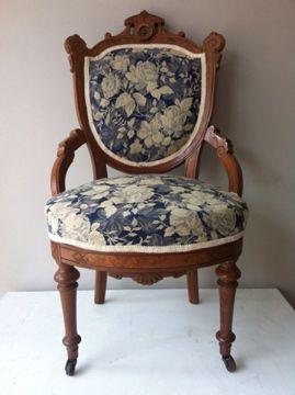 Fauteuil uit 1880 van walnotenhout via www for Tweedehands meubels webshop