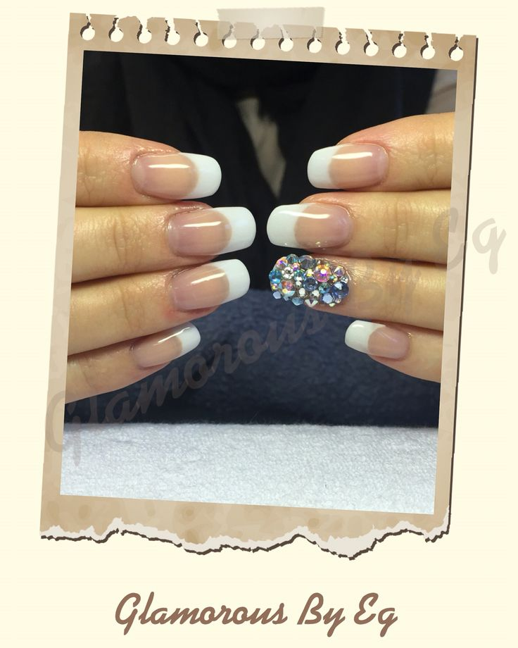 Akryl negle med CND produkter, franske negle med swarovski sten