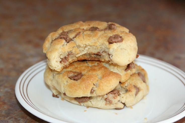 Biscuits Moelleux aux Brisures de Chocolat Pour visionner la vidéo, abonnez-vous à la chaîne http://www.youtube.com/recettesmaroc2