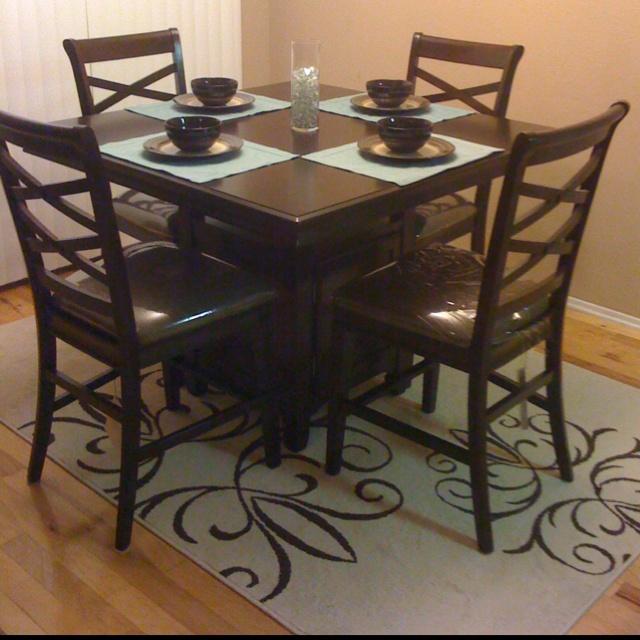 Walmart Kitchen Tables: Eat In Kitchen Table & Walmart Rug!