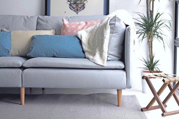 手持ちの「IKEAソファ」をさらに素敵にする11通りの方法|LIMIA (リミア) ソファレッグをお洒落でセクシー、シックなものに交換