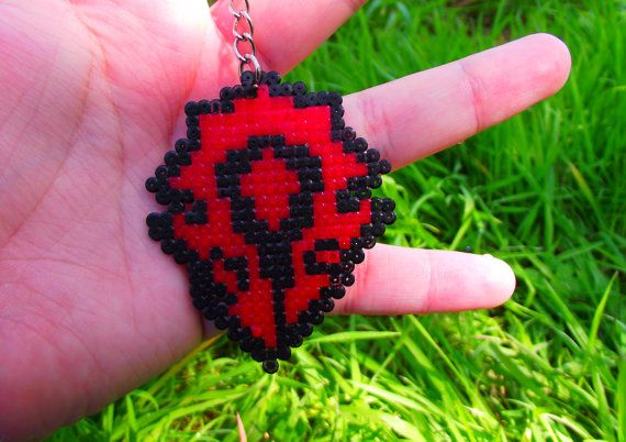 """Sprite / Straps / plug / keychain / Magnet  of the sign """" The Horde """" from World of Warcraft - Blizzard • Hama Beads • Pixel/art"""