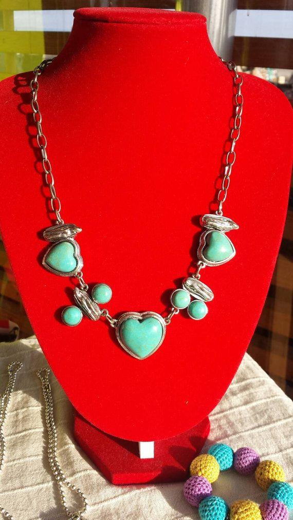 Guarda questo articolo nel mio negozio Etsy https://www.etsy.com/it/listing/266645476/collana-con-cuore-in-pietra-turchese-e