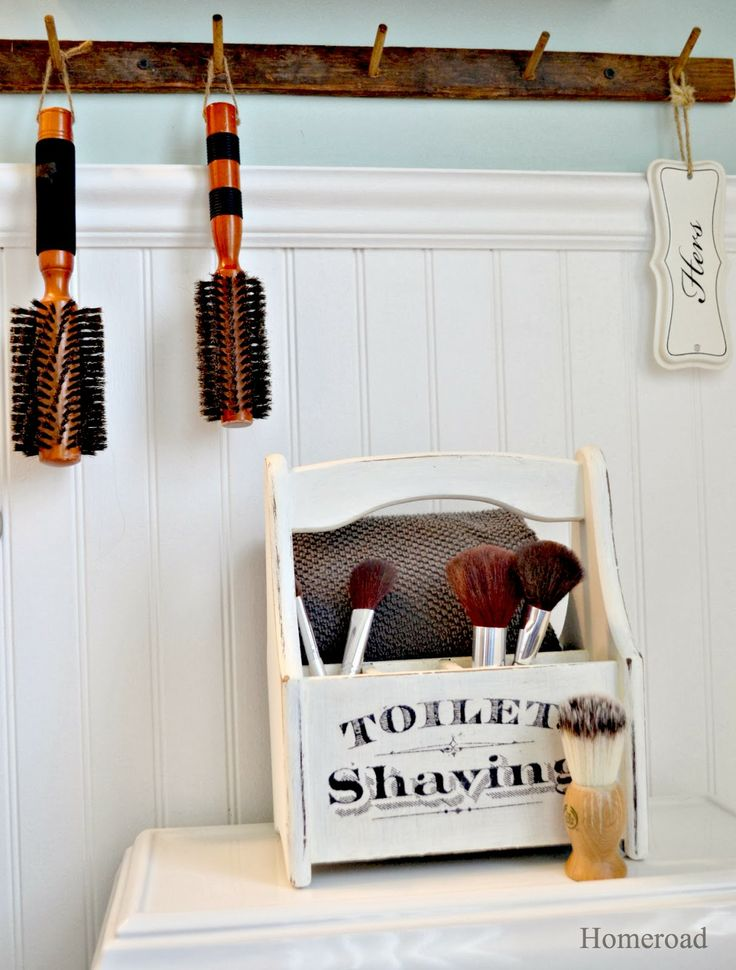 Wooden bathroom accessories repurposed from thrift store finds using chalky  paint by DecoArt. Best 25  Wooden bathroom accessories ideas on Pinterest