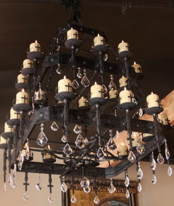 amazing new chandeliers in that 39 s haute home interiors pinterest home. Black Bedroom Furniture Sets. Home Design Ideas