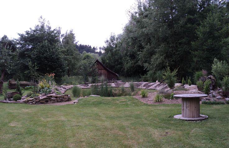 Zadní zahrada - červenec 2016