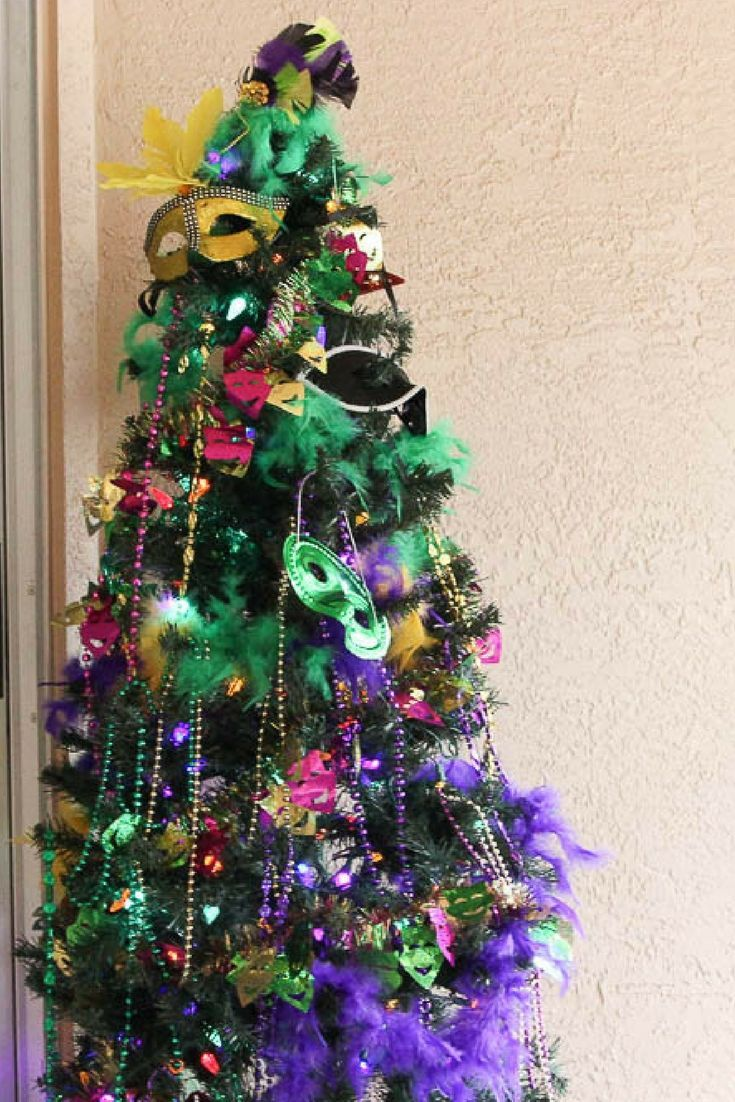 How to Host a Mardi Gras Dinner Party