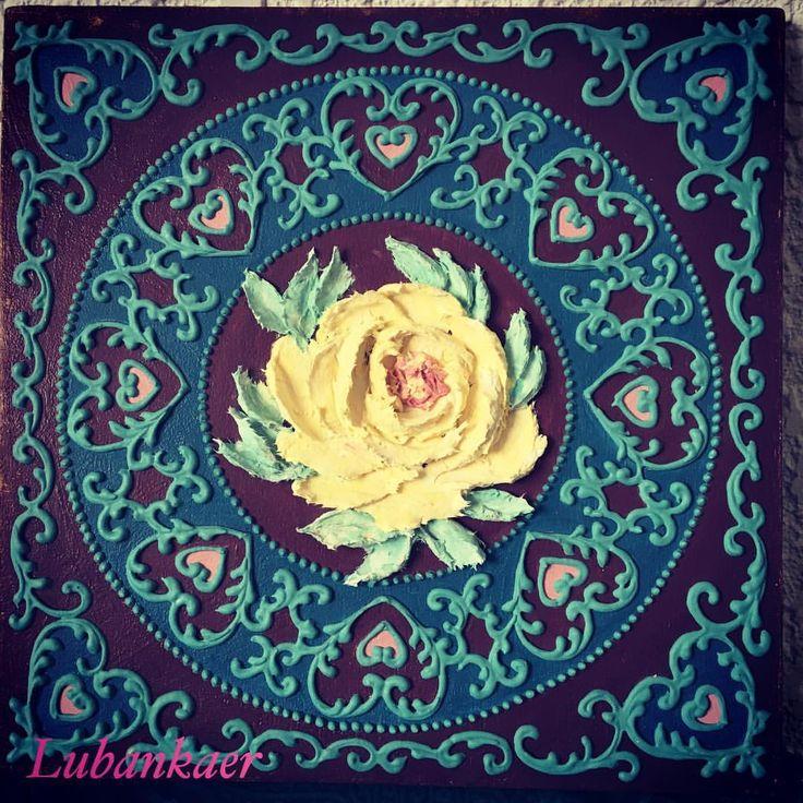 172 отметок «Нравится», 1 комментариев — Lubima . Любовь . (@lubankaer) в Instagram: «Люблю я эти ажурчики))))#панно #объемноепанно #розочка #цветочки #ажур #орнамент #орнаментынародов…»