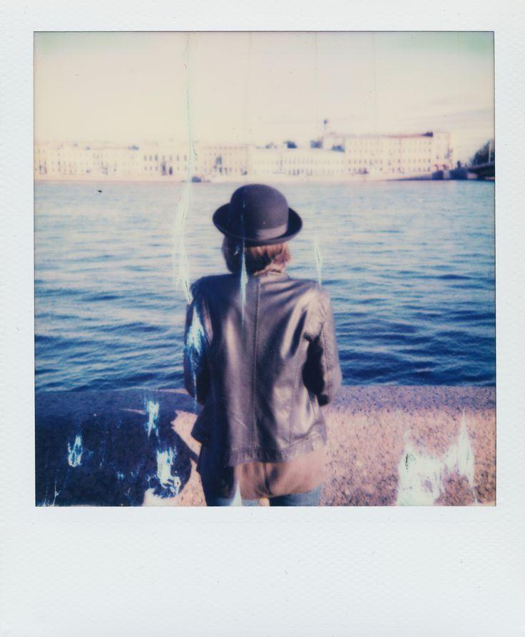 photo, polaroid, magritte, Spb, river, hat, girl