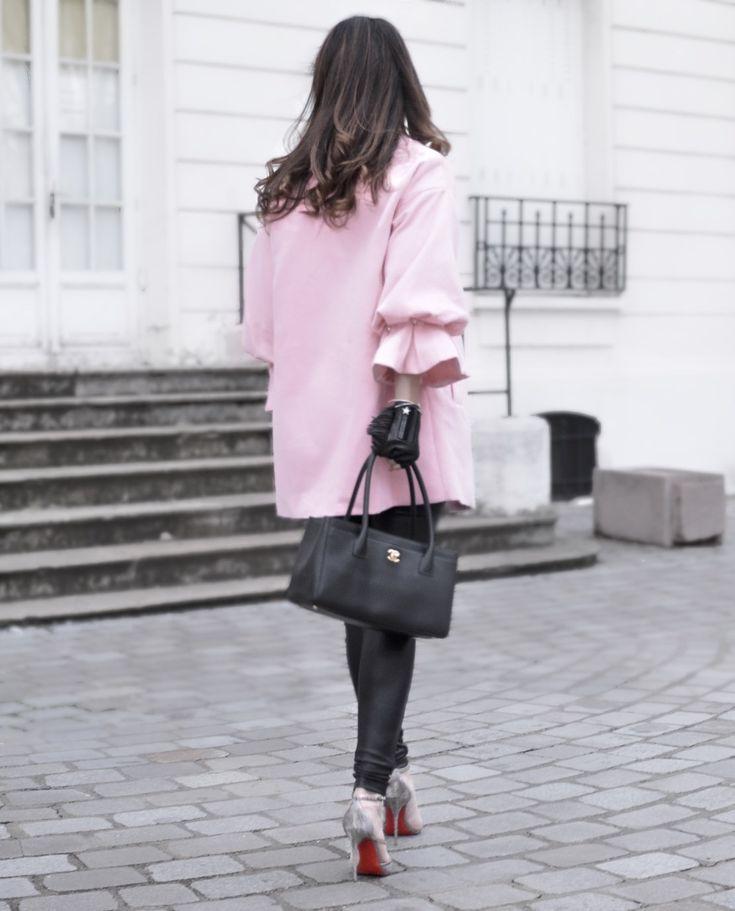 Le manteau oversize rose #coloryourlife #soldes #manteau #oversize #rose #pink #tenuedujour #lookdujour #ootd #streetstyle #outfitoftheday #louboutin #louboutinworld #chanel #shein #chic #lookoftheday #outfit #look #wiw #wiwt #fashion #fashionblog #fashionblogger #lookdodia #modamujer #moda #sofrenchbynaty #sales #bonplan #tendance #trendy