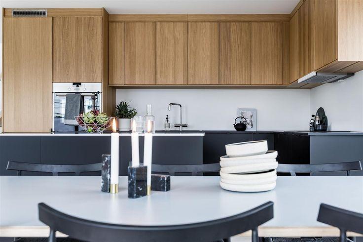(5) FINN – NORDSTRAND - Kjøkken fra Ikea i eik Ekestad eller Hyttan. Underskap er Kungsbacka