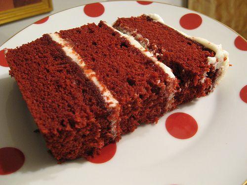 La Famosa Red Velvet Cake del Sur de EEUU En el sur de los EEUU una tarta es la reina, y no es la de zanahoria! No, alli en sur la famosa tarta Red Velvet es la más típica que existe (y seguramente...