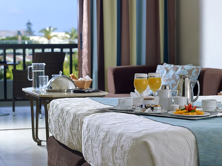 Breakfast in bed? The ultimate indulgence!