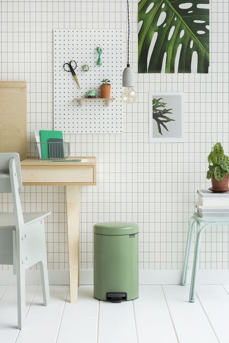 We think practical should be beautiful. That's why we've added three new colours to our collection, bringing the total to 13. The soothing and stylish Moss Green, soft and subtle Clay Pink, and the happy Daisy Yellow match the newest trends as predicted by leading trend watchers.