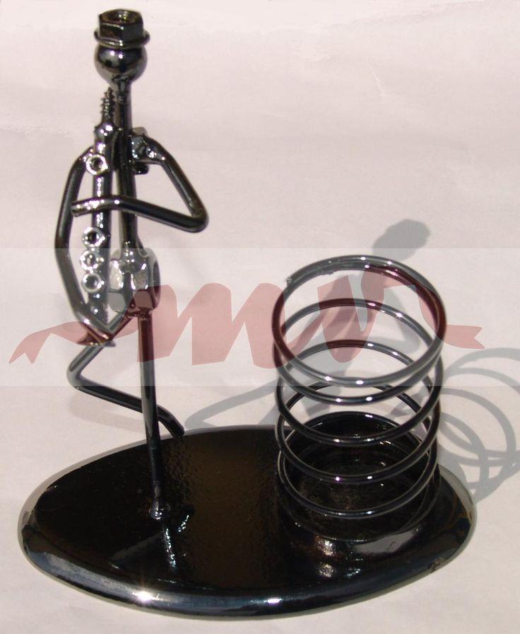 suport pixuri muzicant http://www.nonstop-magazin.ro/accesorii-pentru-birou/suport-pixuri-muzicant…