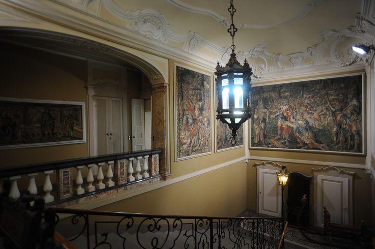 Lo scalone d'onore di Villa Cagnola