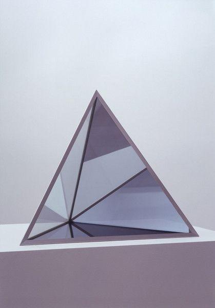 Dan Graham, Pyramid, 1999.