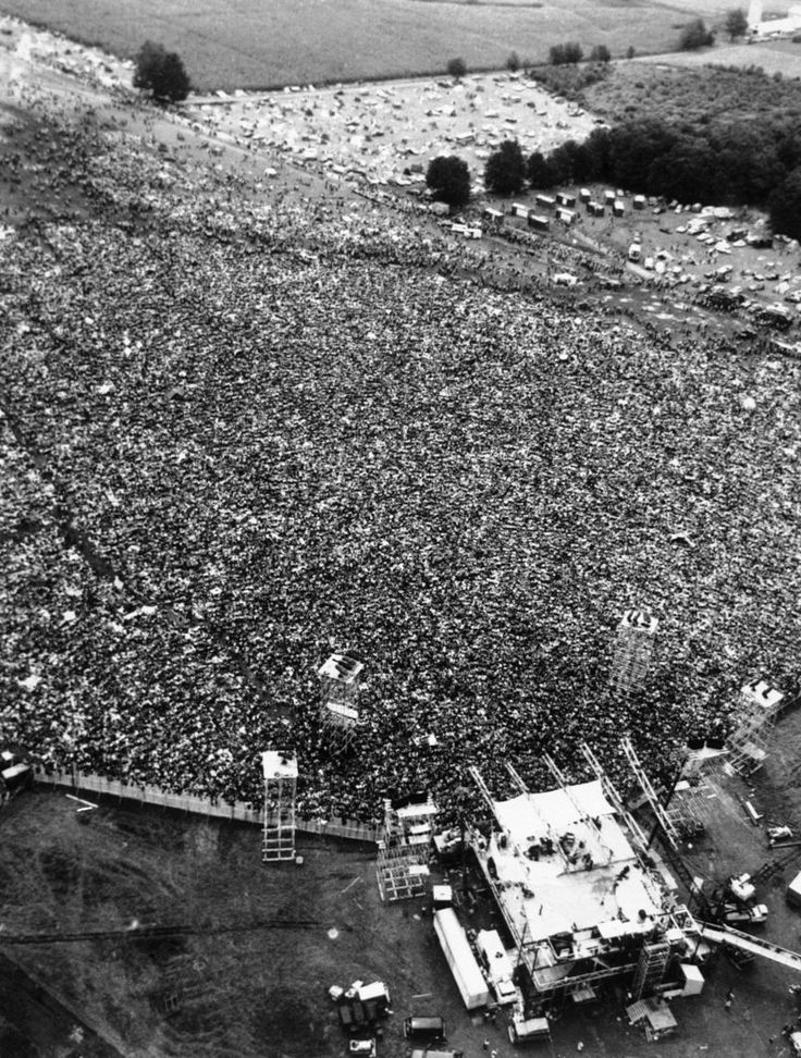 woodstock music festival essay In 1969 at bethel, new york, the woodstock music and art fair was three day festival that was all about peace, love, understanding, music, and serious partying it was a historic event that changed many peoples outlook on life and was a big part of what is known as the hippie movement.