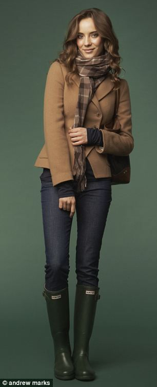 Hunter boots & classic british style. #green #UK #fashion