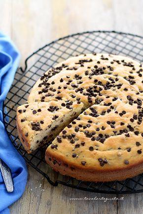 La Torta morbida con gocce di cioccolato è un dolce genuino ma allo stesso tempo molto goloso, dalla consistenza morbidissima, tante gocce di cioccolato e un sapore rassicurante e familiare delle …