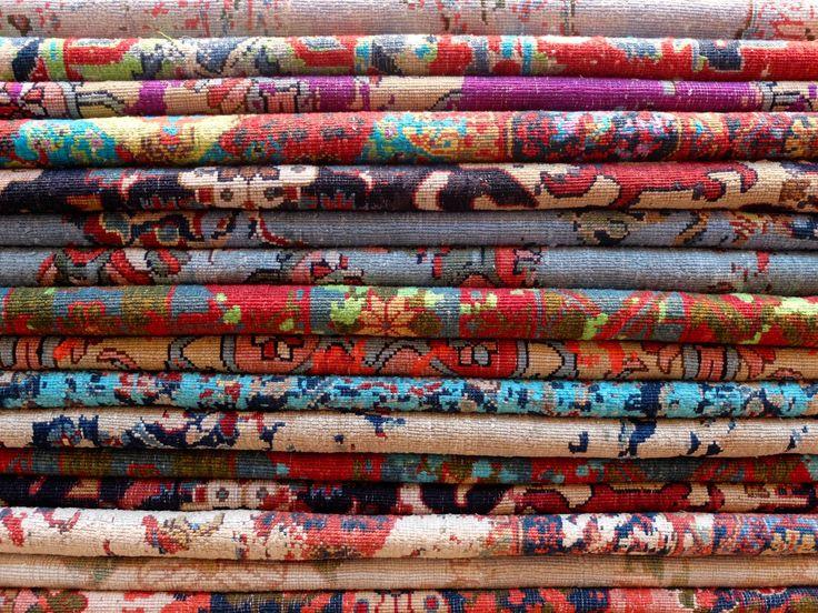Schöne Teppiche von Jan Kath. Die Geschichte dazu findet ihr auf www.living.ruhr