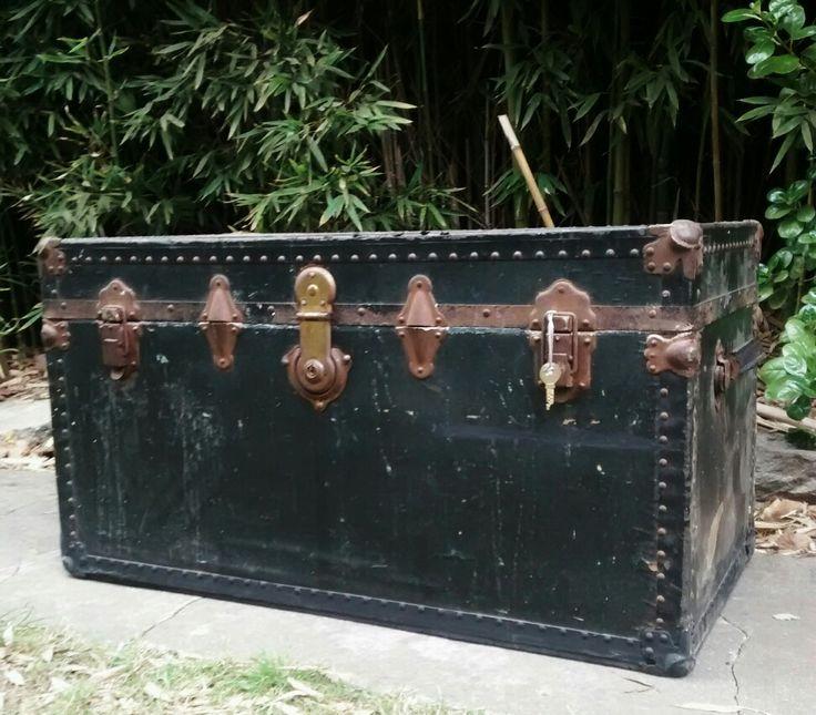 Antiguo baúl a la venta