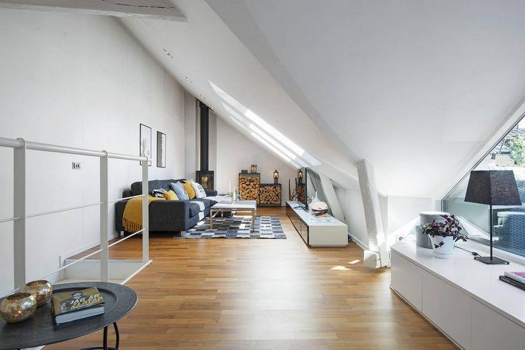 un duplex sous les toits avec une belle loggia