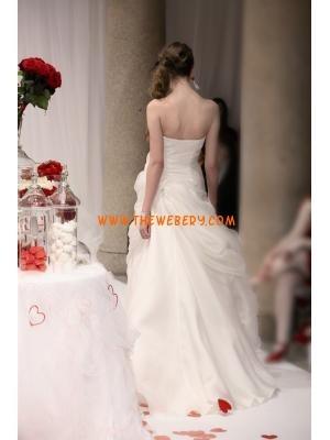 elegante abito senza spalline in chiffon avorio matrimonio all'aperto 2013