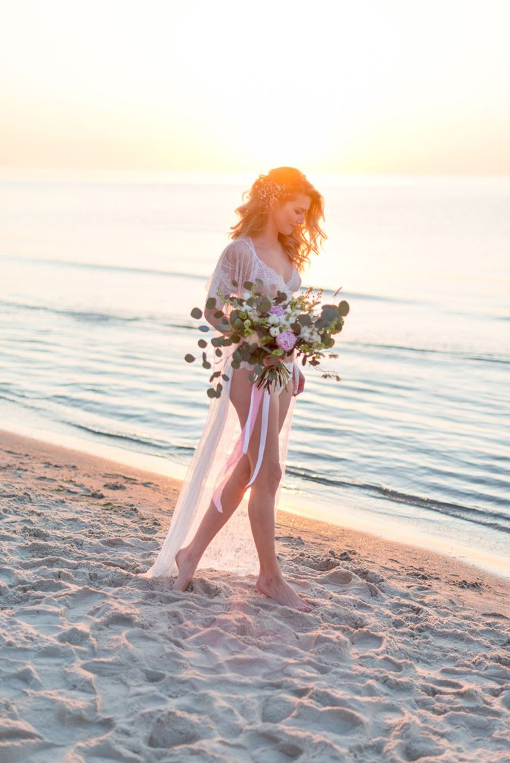 Wedding Boudoir Inspiration by the Beach 00013